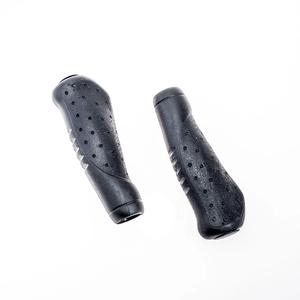 manopla-ergonomica-taco-golf-velo-preta