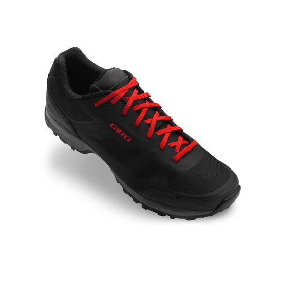 sapatilha-casual-estilo-tenis-giro-gauge-preto-e-vermelho-para-bicicleta-mtb-urbana