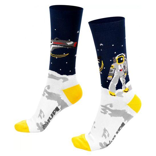 meia-de-ciclismo-ou-corrida-confortavel-branco-com-azul-marca-hupi-modelo-lunatico-com-astronauta