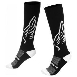 meia-cano-longo-marca-hupi-modelo-asas-preto-com-branco-com-30cm-de-tamanho